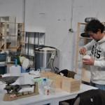 Vista del curso de cocción de cerámica en horno microondas