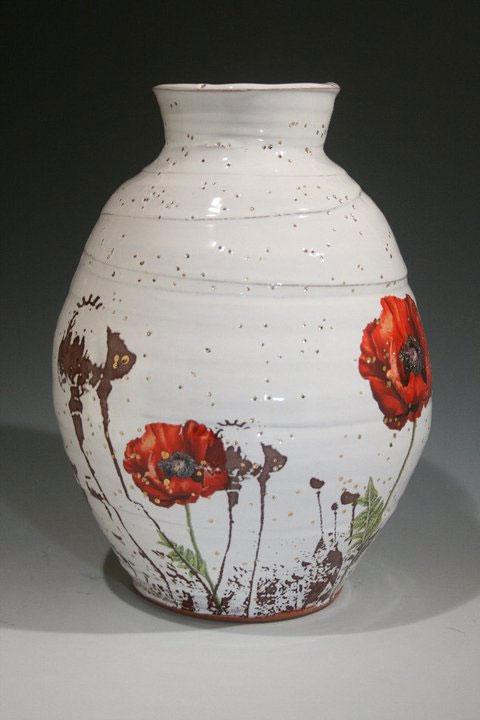 Pieza de cerámica de Justin Rothshank