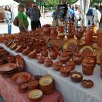 Puesto de alfarería en la Feria de cerámica de Ponferrada 2013