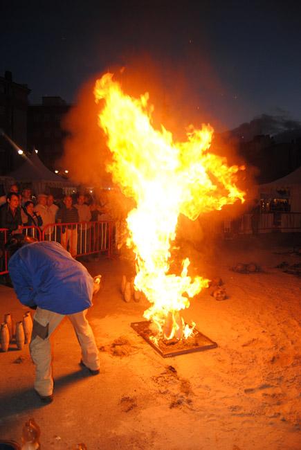 cocción de raku en la Feria de cerámica de Ponferrada 2013