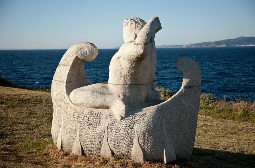 Escultura en piedra de Gonzalo Viana