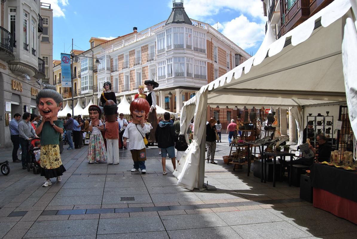 Imagen de la feria de alfarería y cerámica de Palencia 2014