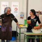 Rafaela Pareja y Samuel Bayarri en su cursillo de decoración con terras sigillatas