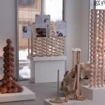 Vista de la exposición de cerámica para la arquitectura