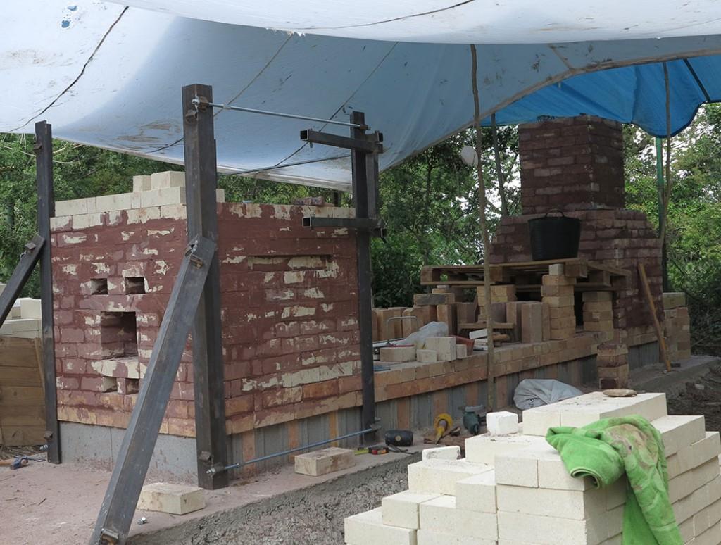 Imagen de la construcción del horno tres