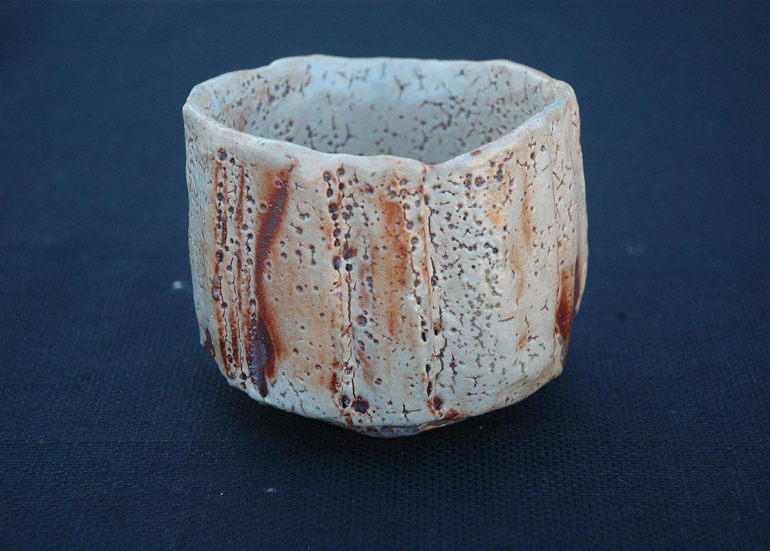 Pieza de cerámica Shino de Encarna Soler