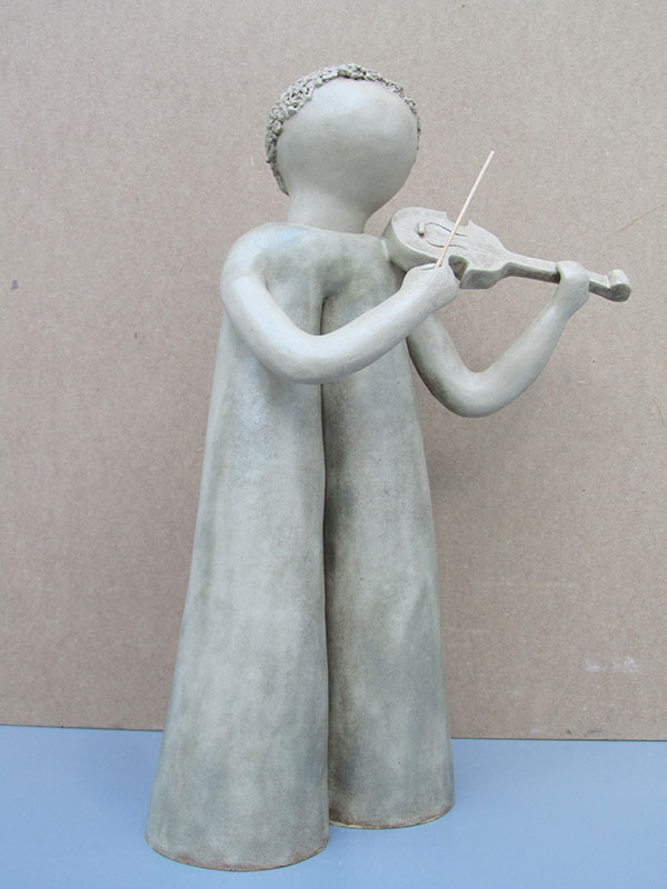 Escultura cerámica de Magdalena Rodríguez