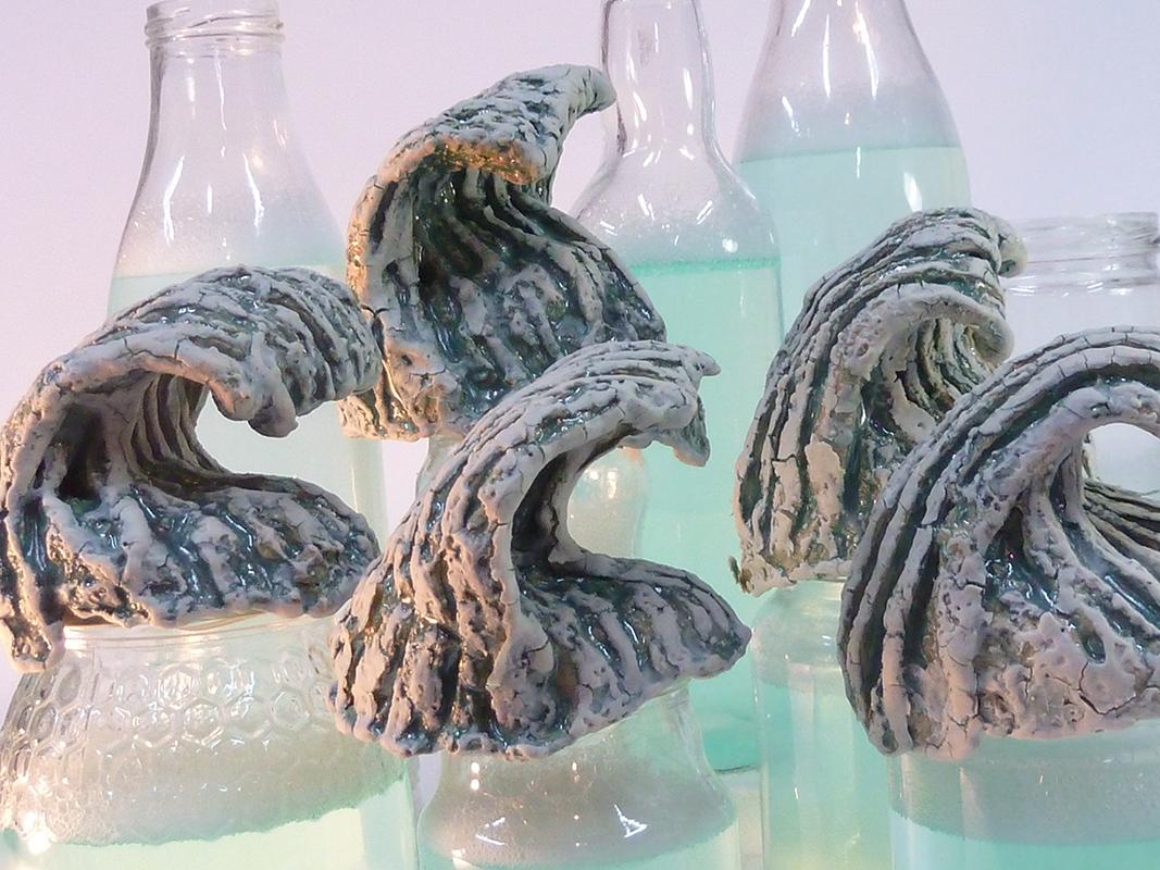 Pieza de cerámica de Txaro Marañon