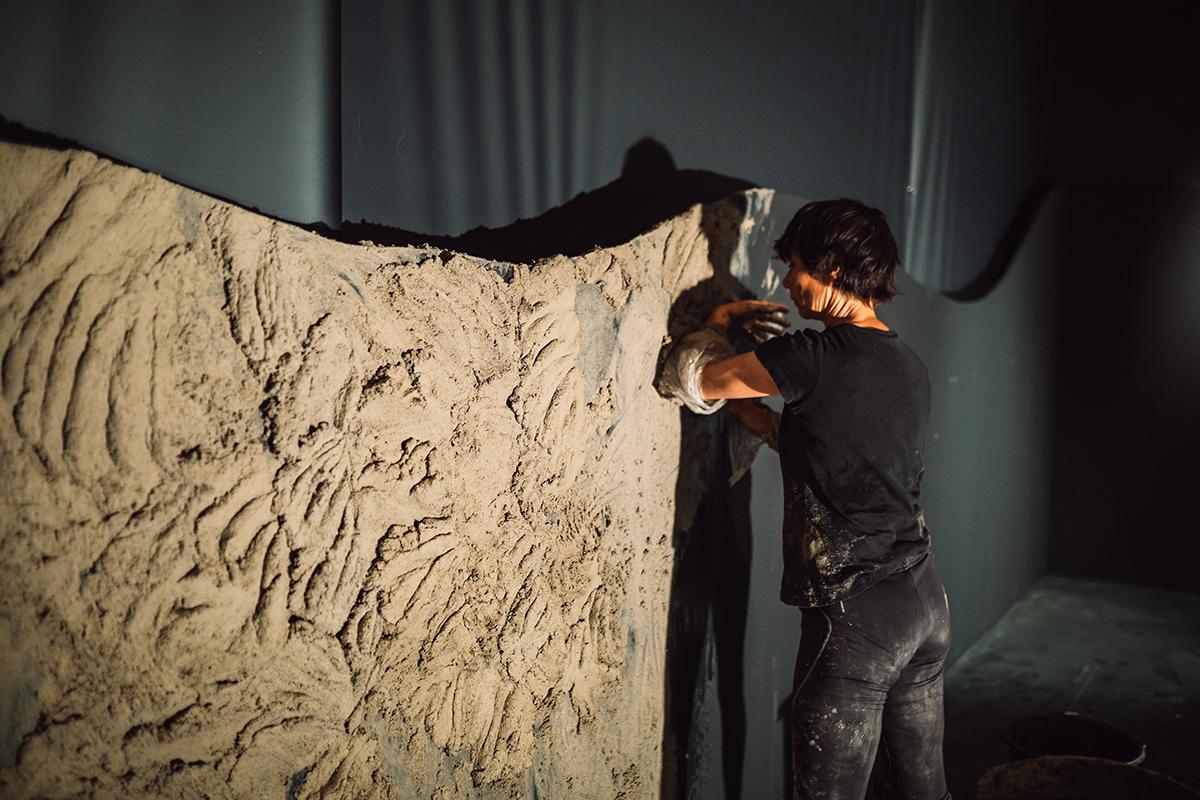 Instalación cerámica de Alexandra Engelfriet