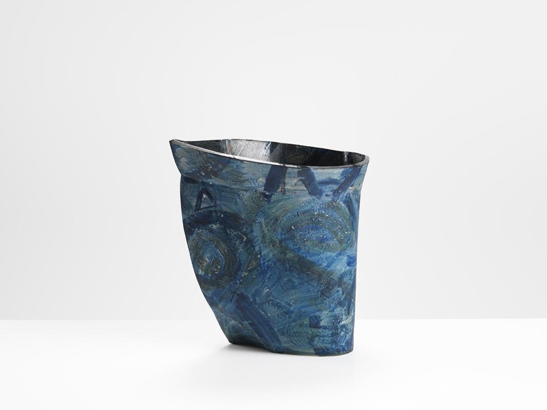 Pieza de cerámica de Alison Britton