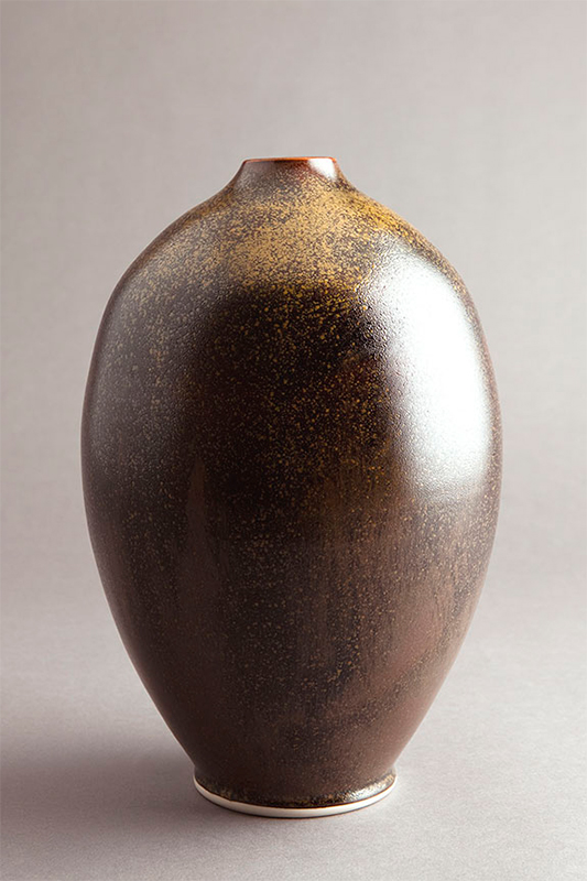 Pieza de cerámica de Ben Owen III