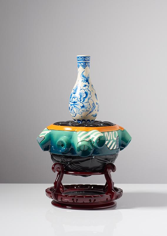 Pieza de cerámica de Brendan Tang