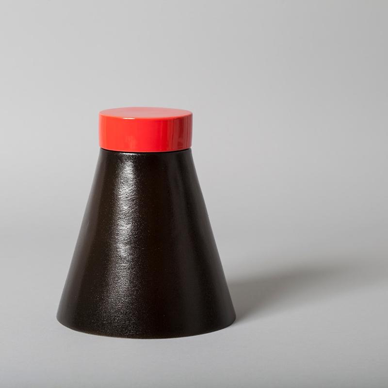 Pieza de cerámica de Dawn Youll