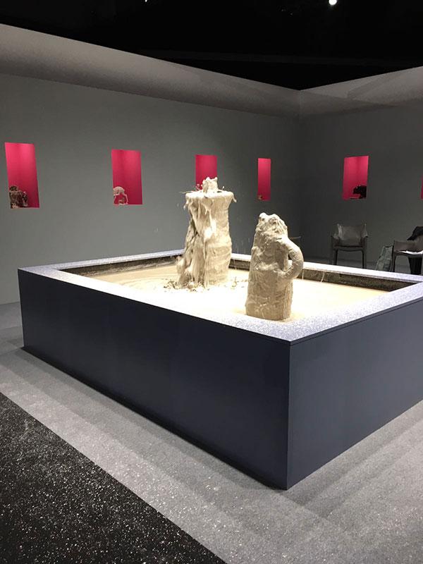 Instalación cerámica de Christian Gonzenbach