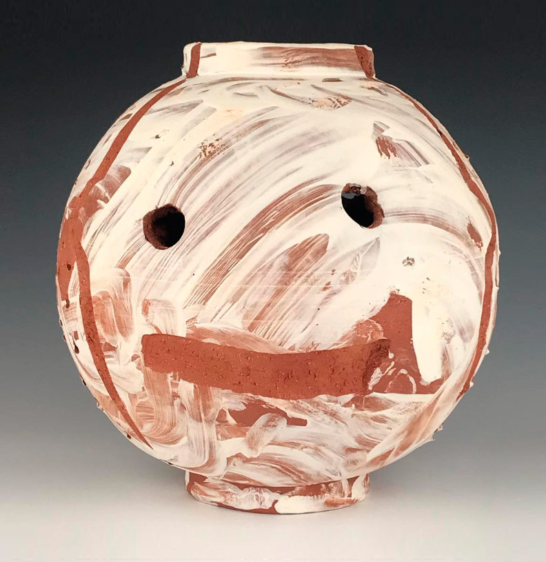 Pieza de cerámica de Ian F. Thomaas