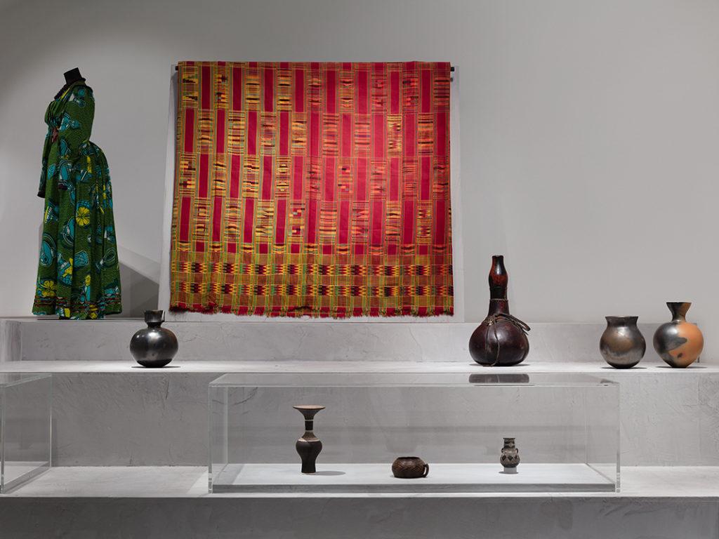 Exposiciones de cerámica de Magdalene Odundo