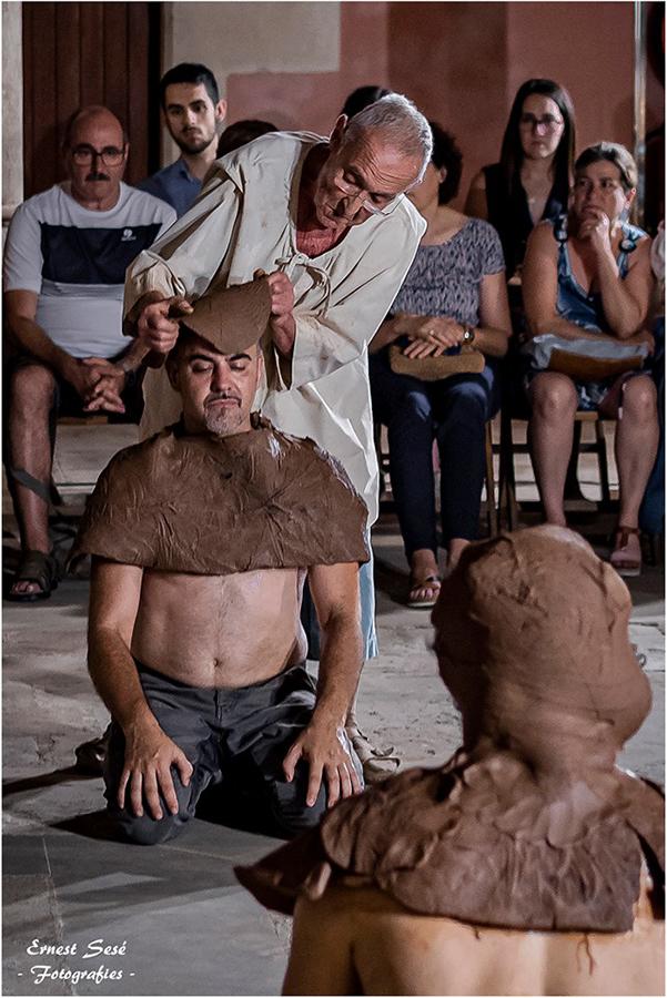 Performance cerámica de Joan Panisello