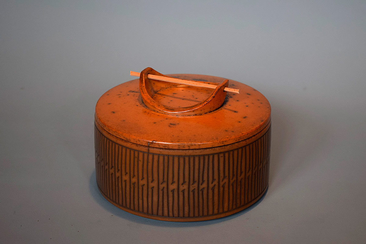 Pieza de cerámica de Mathieu Casseau