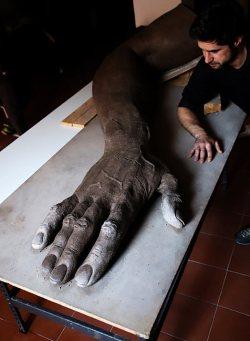 Detalle-monumento-a-las-victimas-Carlos-martinez