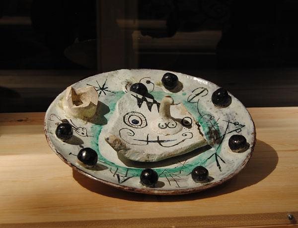 Pieza de cerámica de Josep Llorens Artigas y Joan Miró