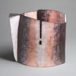 Pieza de cerámica de Lydia Buzio
