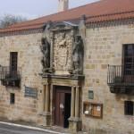Fachada del Museo Lazarraga
