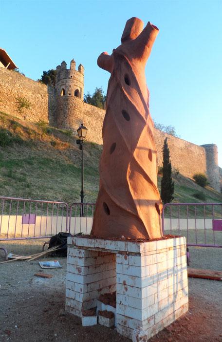 """Escultura """"Ärbol de Fuego"""" en Toledo"""