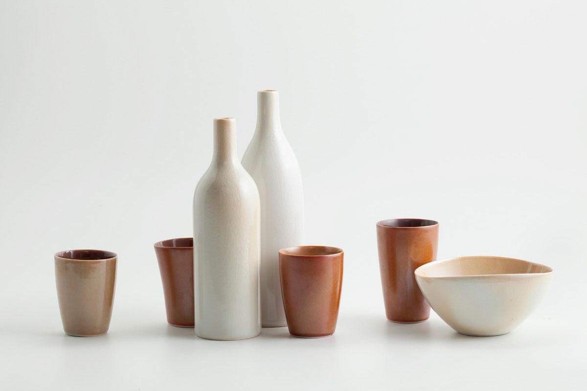 Montaje de piezas de cerámica de Gwyn Hanssen Pigott