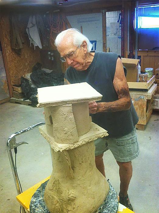 Don Reitz en su estudio