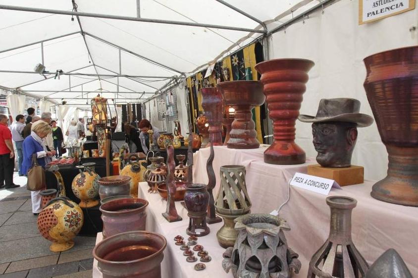 Vista de la Feria de Cerámica de Palencia