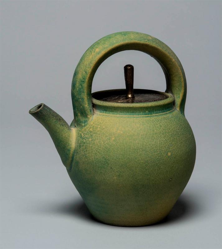 Pieza de cerámica funcional de Robert Archambeau