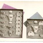 Cajas con juegos de café en miniatura