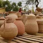 Cocción de cerámica en horno tradicional de Gracia