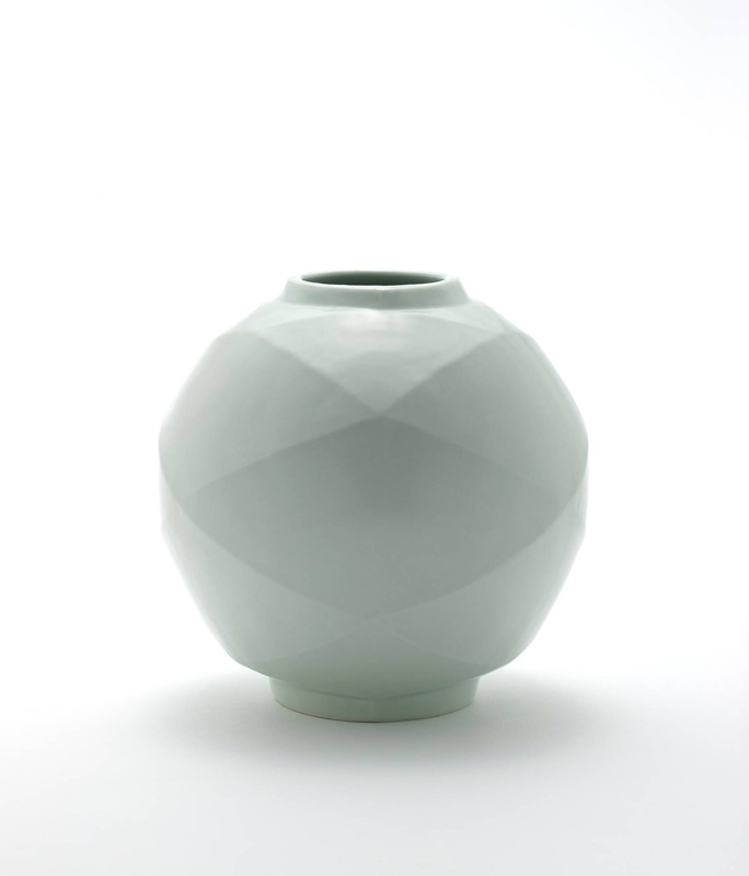 Pieza de cerámica de Heekyun Jeong