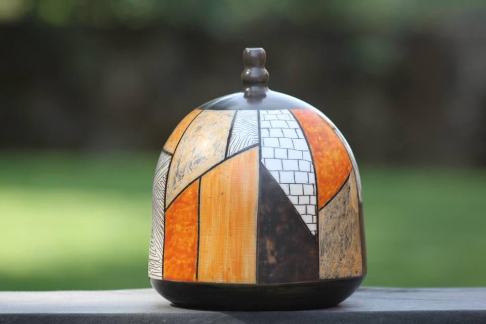 Pieza de cerámica de Avelino Carrasco Durán