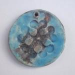 Pieza de cerámica cocida en horno microondas