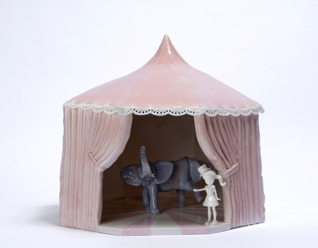 Escultura cerámica de Lea Nielsen