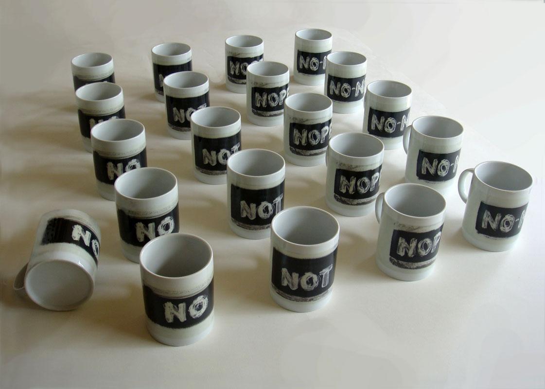 Instalación cerámica de Roberta Griffith
