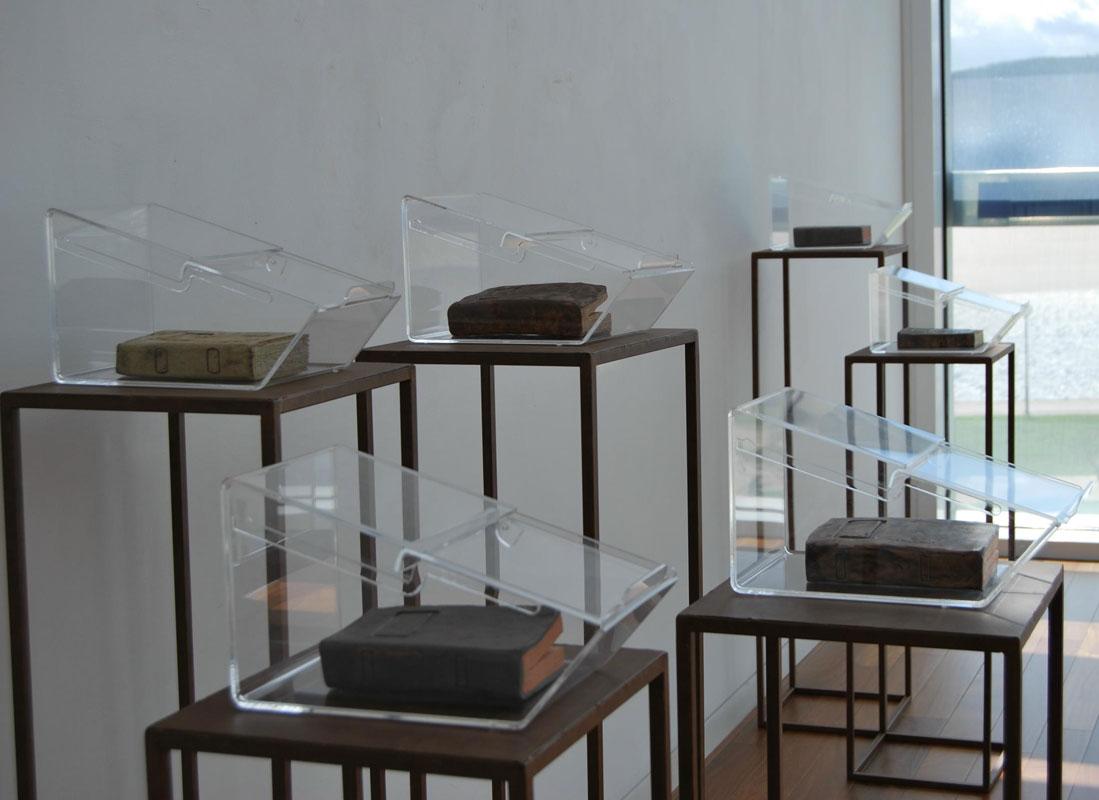 Instalación de cerámica de Cristina Guzmán