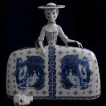 Pieza de cerámica de Claire Partington