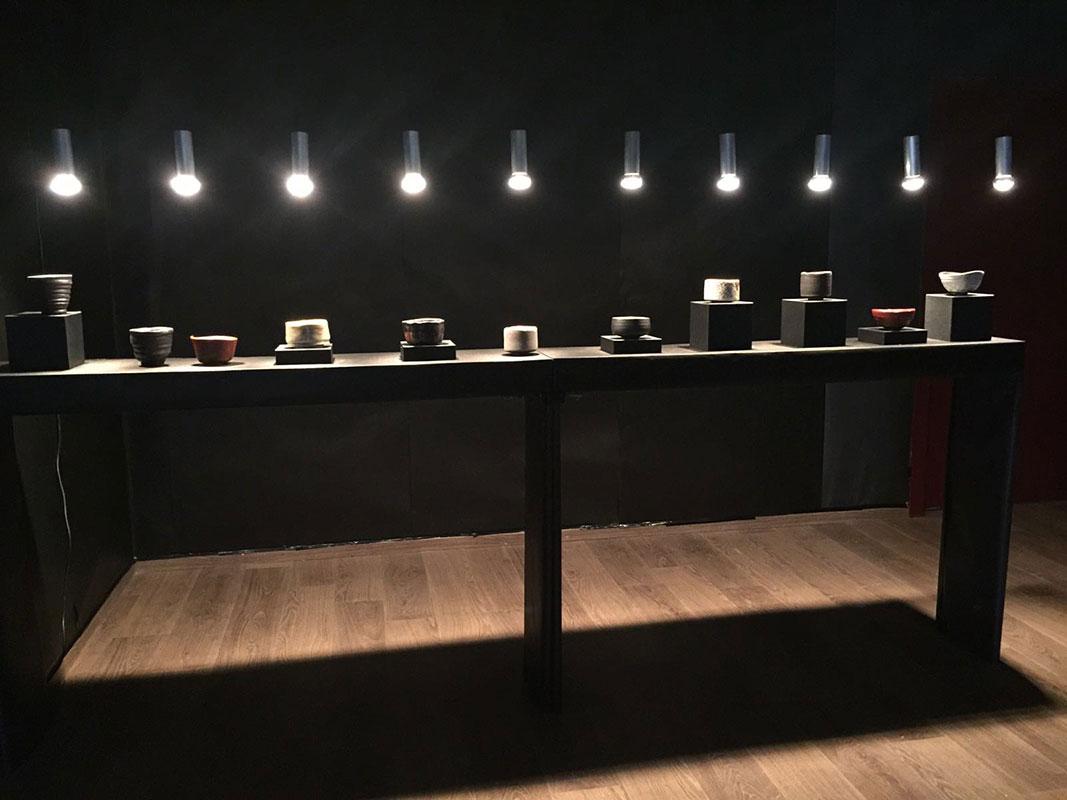 Vista de la exposición de Alfonso d'Ors en la escuela de Cerámica de La Moncloa, en Madrid