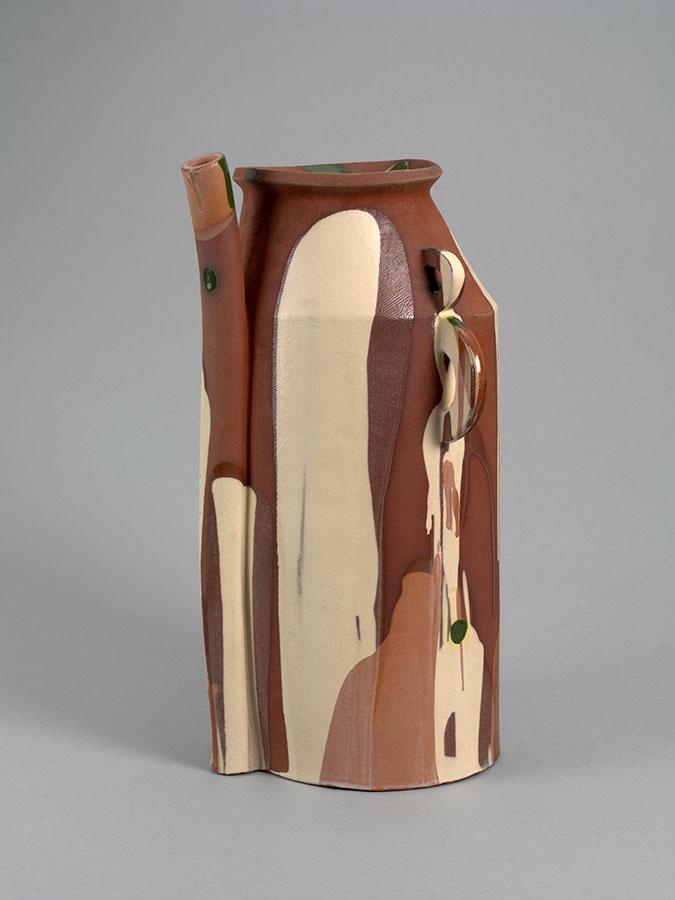 Pieza de cerámica de Alison Britton en el Museo Victoria & Albert, de Londres
