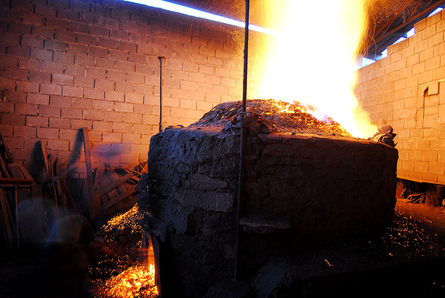 Imagen de cocción en horno árabe en Moveros, Zamora