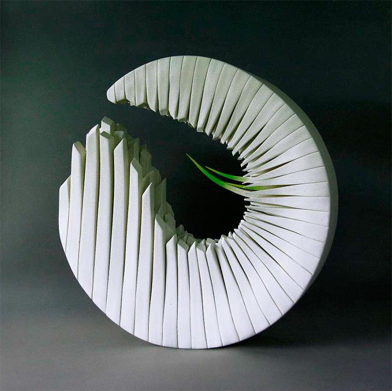 Pieza de cerámica de Alberto Bustos