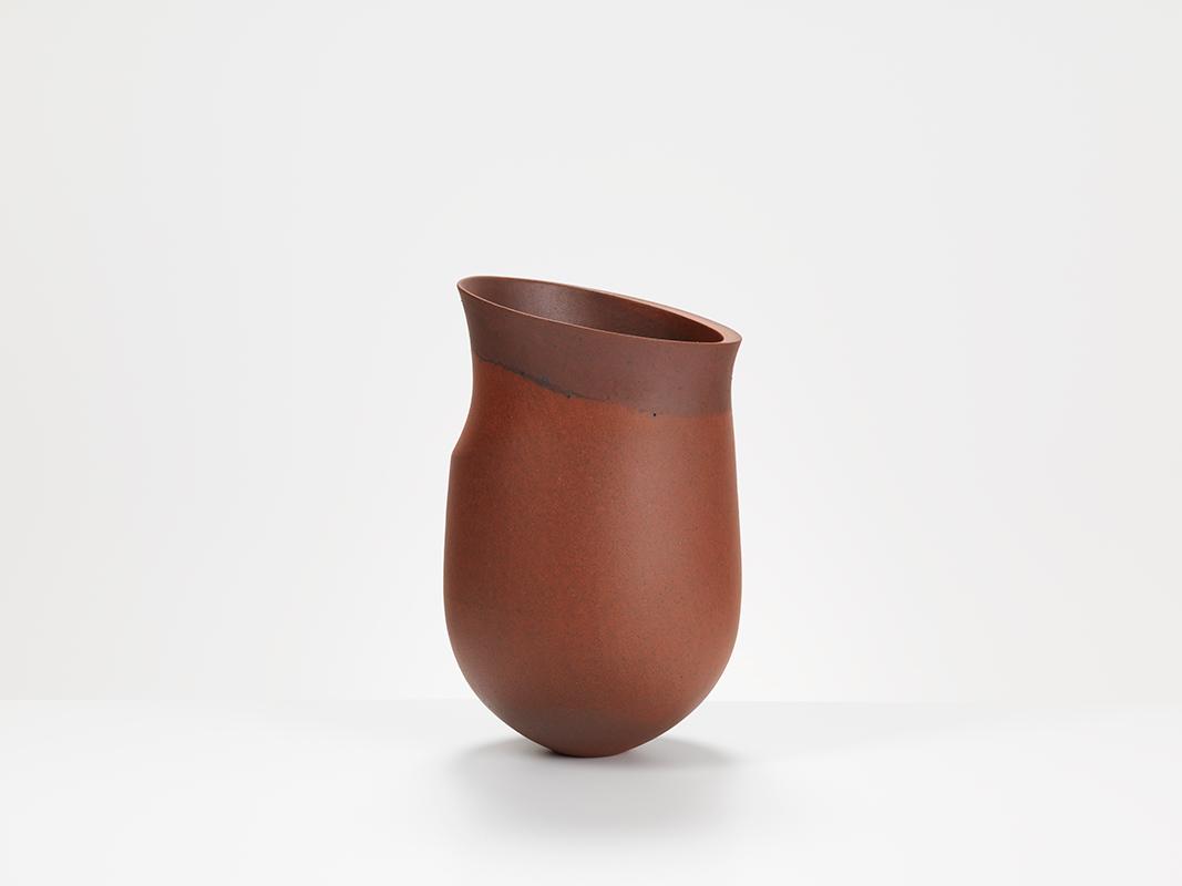 Pieza de cerámica de Jennifer Lee