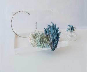 Pieza de joyería cerámica de Rosa Guerrero Pino