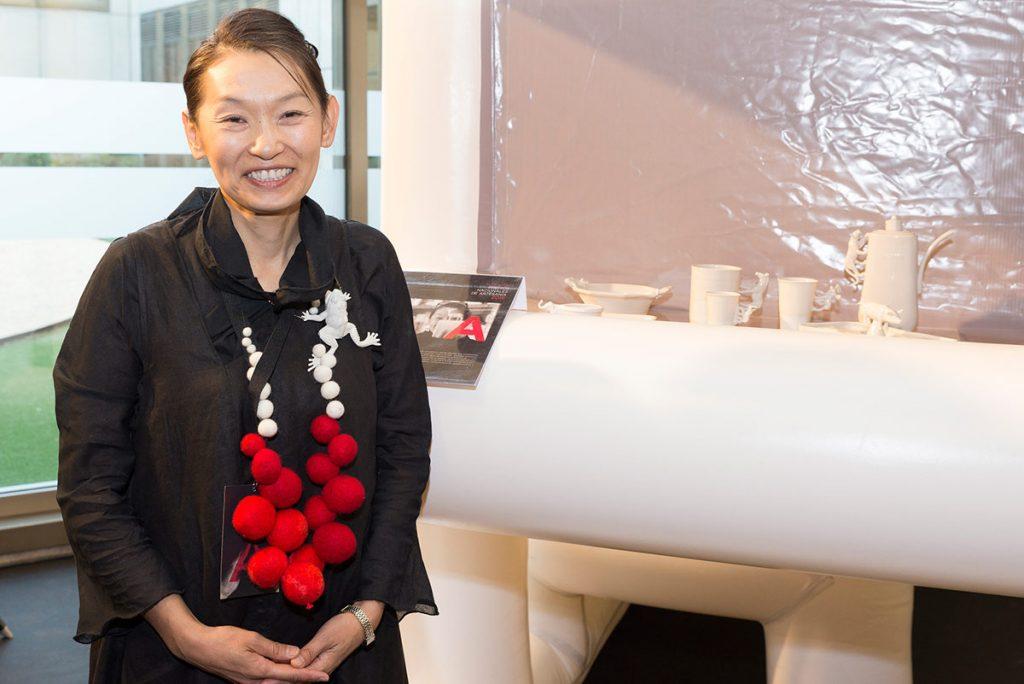 Yukiko Kitahara en la recogida de los Premios Nacionales de Artesania