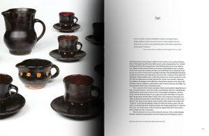 Páginas interiores del libro Things of Beauty Growing