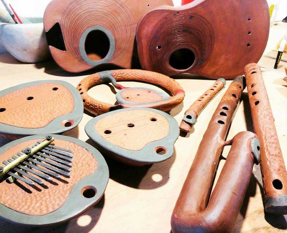 Instrumentos musicales de cerámica