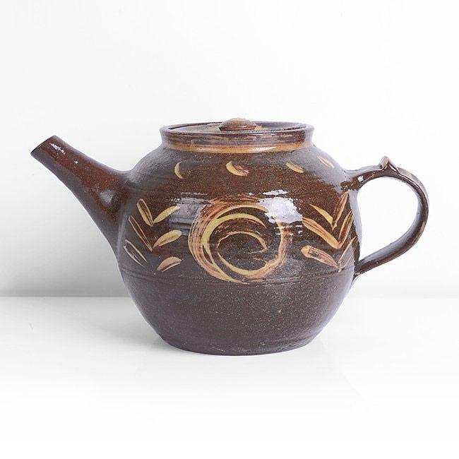 Pieza de cerámica de Michael Cardew